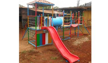 Directaid مشاريع التنمية Playgrounds for Gambia's orphans 4