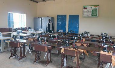 Directaid مشاريع التنمية Sewing Center - 1 3