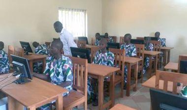 Directaid مشاريع اليوم العالمي لمهارات الشباب. Training courses for older orphans 13