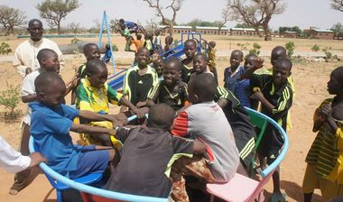 Directaid مشاريع التنمية Playgrounds for Mali Orphans 2