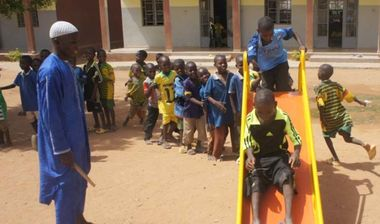 Directaid مشاريع التنمية Playgrounds for Mali Orphans 3