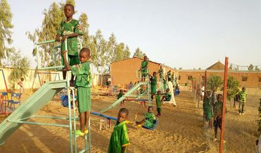 Directaid مشاريع التنمية Playgrounds for Mali Orphans 5