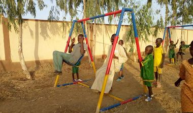 Directaid مشاريع التنمية Playgrounds for Mali Orphans 6