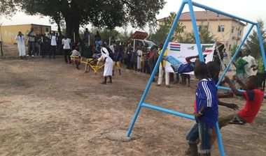 Directaid مشاريع التنمية Playgrounds for Gambia's orphans 14