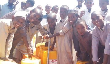 Directaid Water Projects Large artesian well - Kenya - wajeer - 1 1