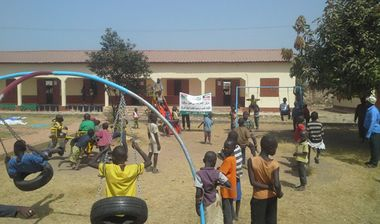 Directaid مشاريع التنمية Playgrounds for Gambia's orphans 5