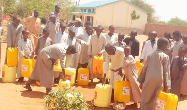 Directaid Water Projects Large artesian well - Kenya - wajeer - 1 3
