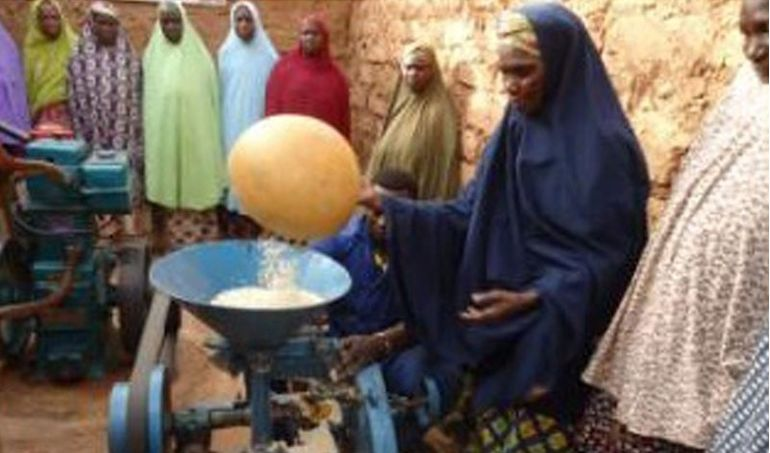 Directaid مشاريع التنمية Mill Project - Kenya 2
