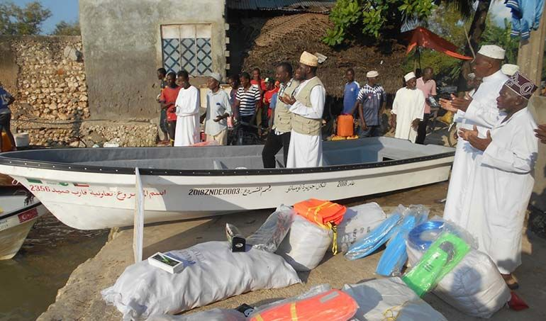 Directaid مشاريع التنمية stop destitution - a fishing boat project 1