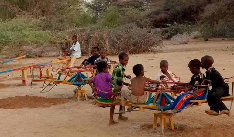 Directaid مشاريع التنمية Playgrounds for Mdogache Orphans 2